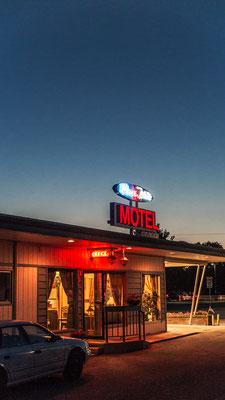motel blue and white, kalispell, montana