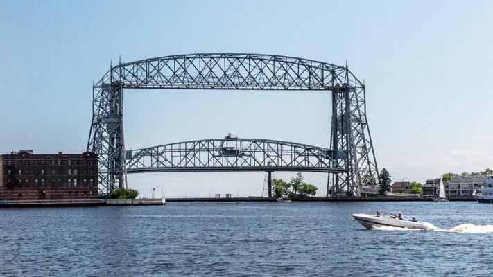 aerial lift bridge, duluth, minnesota