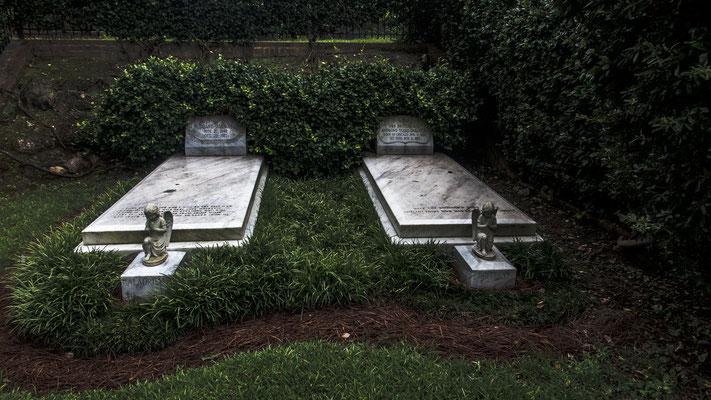 duane allman and berry oakley gravesite, rose hill cemetery, macon, georgia
