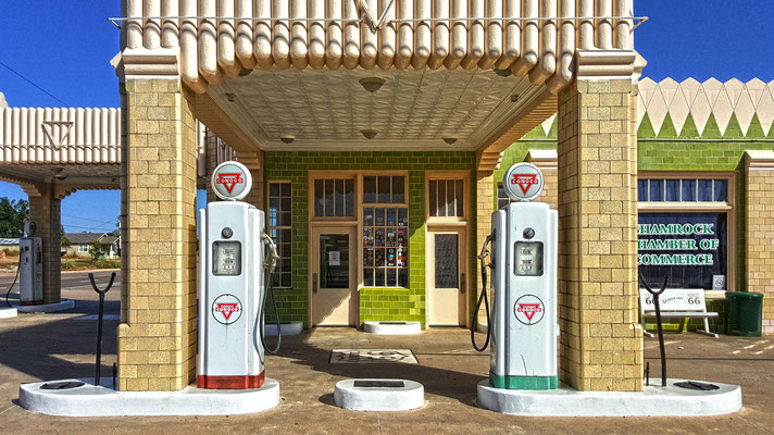 conoco gas station, shamrock, texas