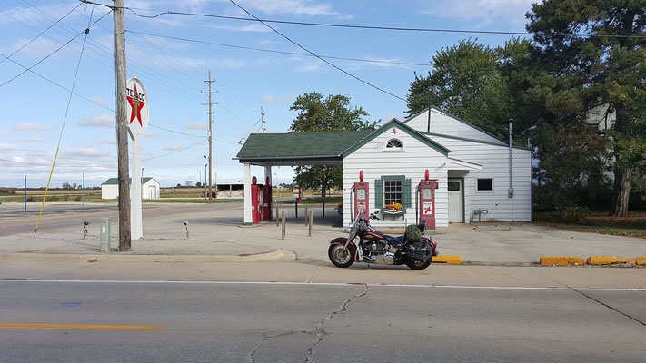ambler´s texaco gas station, dwight, illinois