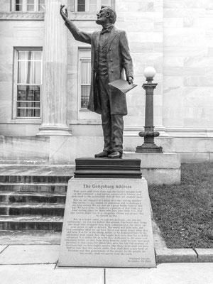 lincoln monument, gettysburg, virginia