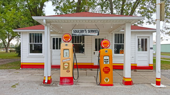 gas station, route 66, mount olive, illinois
