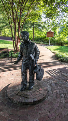 young elvis statue, tupelo, mississippi