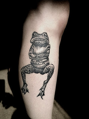 Blackwork tattoo frog