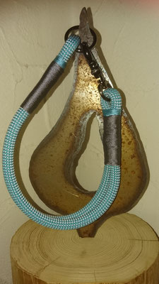 schlichtes Halsband mit schwarzem Verschluss