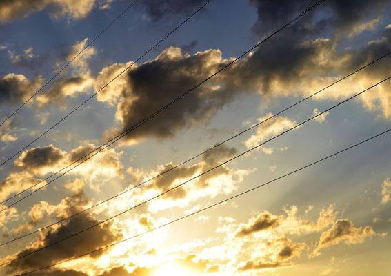 Spring Sabine - Belichtete Wolken