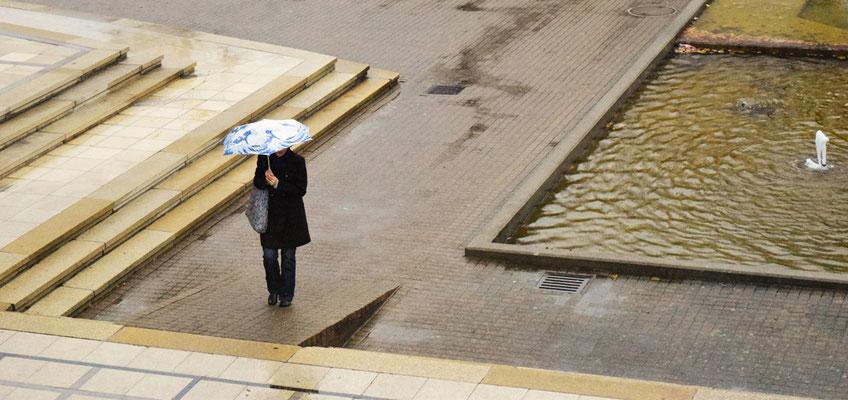 05  Dragica Radic - Regenschirm