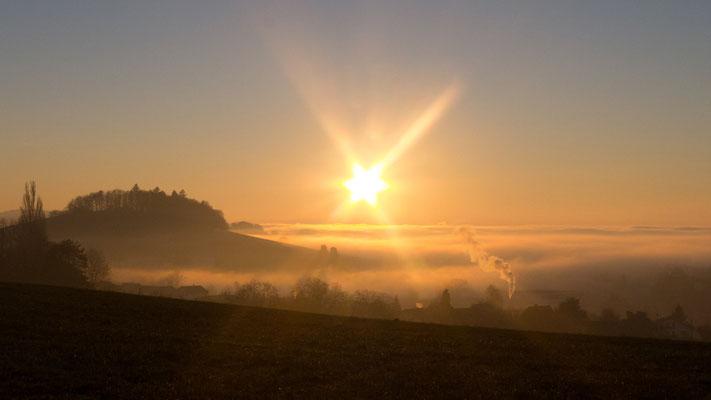 Foto: Arno Kloiber... Sonnenuntergang Bodenmünzi