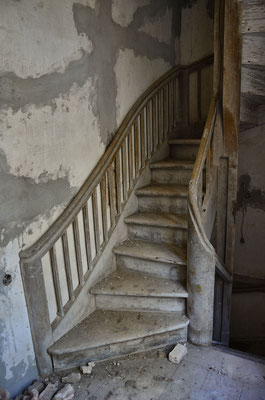 Treppe im Herrenhaus Kodasoo (dt.: Kotzum) in Estland, 2016