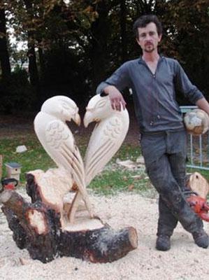 La Rouge Porte  Nord Pas de Calais Maxence Terrier Sculpture à la tronçonneuse