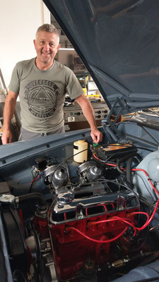 unser iG Mitglied Alexander hat auch die erste Proberunde mit seinem Volvo Amazon hinter sich und präsentierte stolz den neuen Motor.