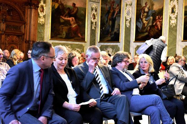Oliver Dedow, Volker & Antje Krause und Kultursenatorin Kathrin Weiher mit Ehemann bei dem Jahresempfang der BfL am 12.04.2018