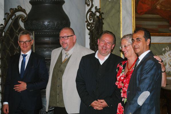 Gruppenbild beim Jahresempfang 2016: Ludger Hinsen, Marcel Niewöhner, Lothar Möller, Astrid Stadthaus-Panissié und Praktikant Younes aus Syrien