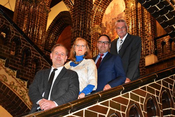 Die 4 Spitzenkandidaten Lothar Möller, Astrid Stadthaus-Panissié, Oliver Dedow und Volker Krause beim jahresempfang der BfL 2018