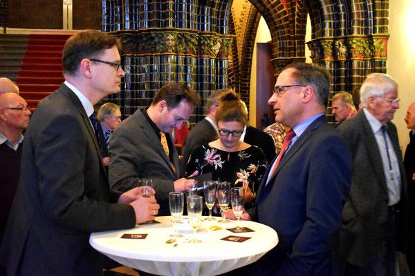 Oliver Dedow mit den Gästen beim Jahresempfang 2018