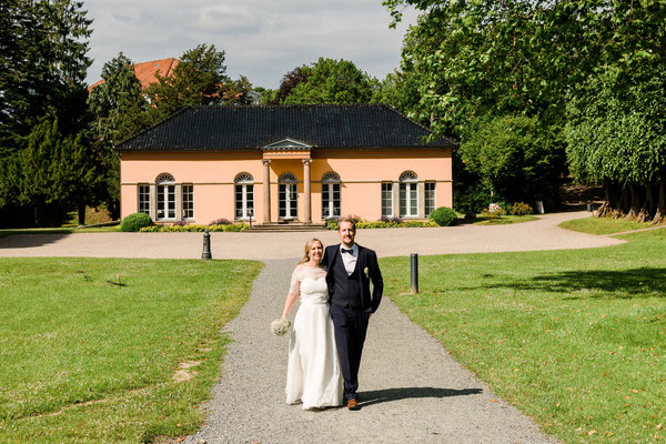 Brautpaarshooting vor dem Schloss Glücksburg