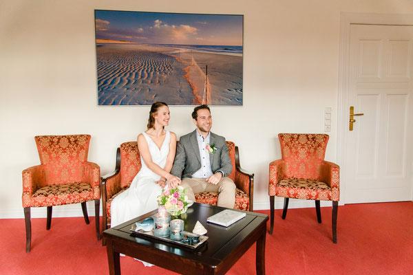 Brautpaar im Rathaus von Westerland / Sylt