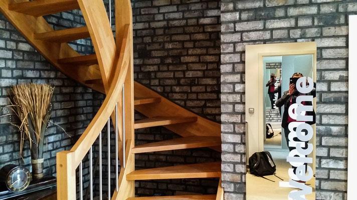 Holztreppe mit Verklinkerung Walerianowicz