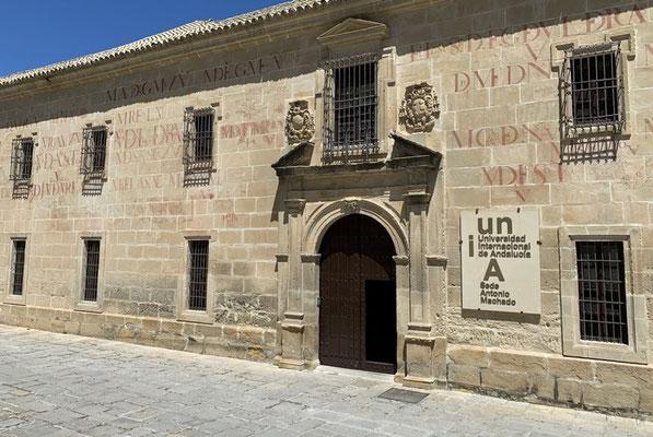 """Baeza: die """"Graffiti"""" an der Universität (hier das Seminario de San Felipe Neri) stammen aus dem 17. und 18. Jahrhundert"""