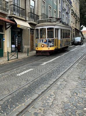 die berühmte Linie 28 in der Altstadt