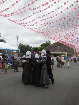 danse traditionnelle folklorique  du périgord