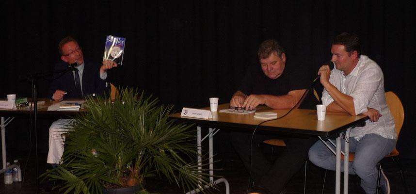 Yannick Petit présentant mon roman !