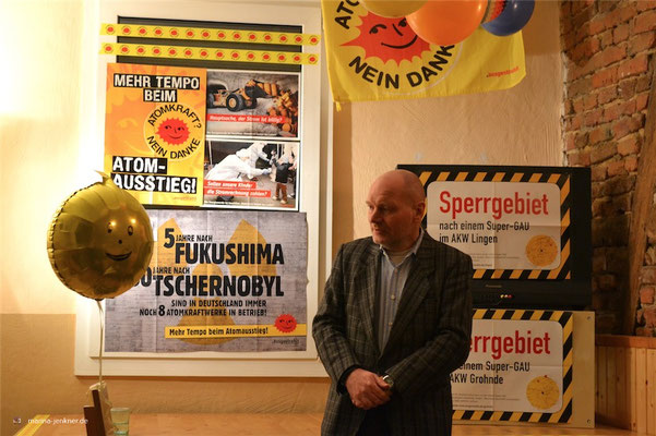 """""""Lesung gegen Atomkraft"""" anlässlich 30 Jahren Tschernobyl und 5 Jahren Fukushima am 10. März 2016 mit Autor Joachim Harms. (Foto: Kulturort """"Die arme Poetin"""")"""
