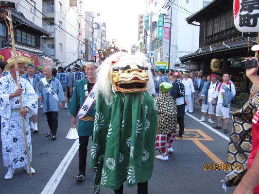 浦和パレード 獅子、神輿先導