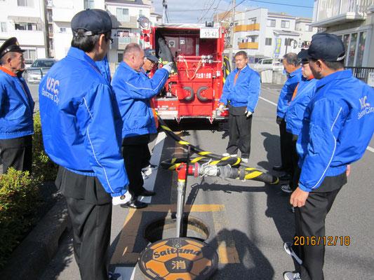 消火活動訓練中継(消火栓からポンプ車へ給水)2