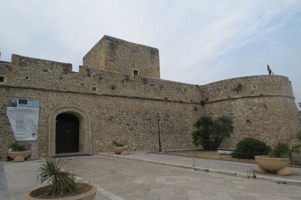 ЗамокМанфредония