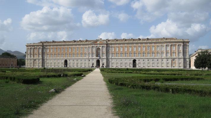 Королевский дворец Казерты