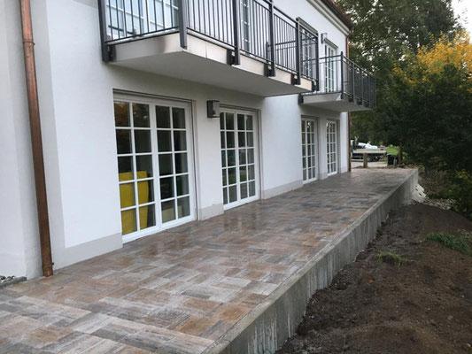 Terrassen angelegt mit L-Steinen Niveau ausgeglichen