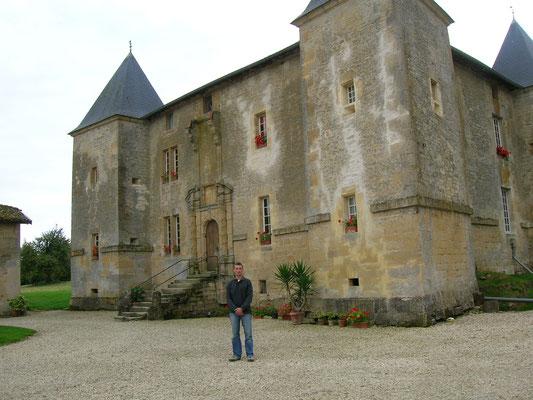 Le château de Charmois à Mouzay abrite une brasserie