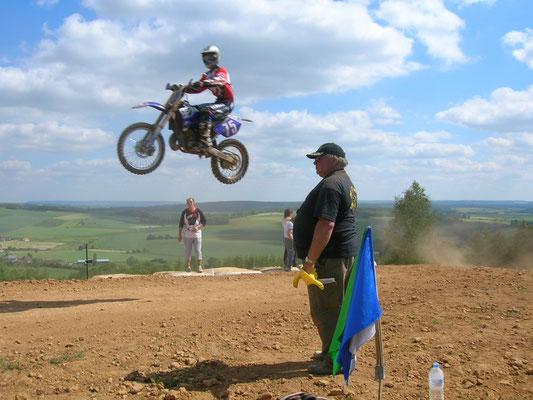 Le moto-cross de Moulins-saint-Hubert est connu en France, en Belgique,au Luxembourg...