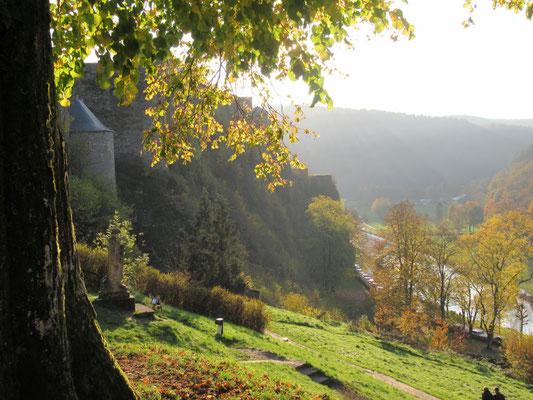 Le château de Bouillon donne sur la vallée