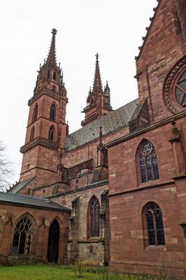 Basler Münster zwischen 1019 und 1500 im romanischen Stil erbaut
