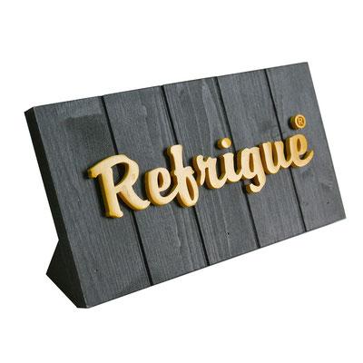 REFRIGUE targhetta in legno tinto con logo in resina