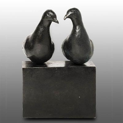 Willemien Fransen Tortelduiven  Brons 28 cm hoog Prijs op aanvraag / Price on request