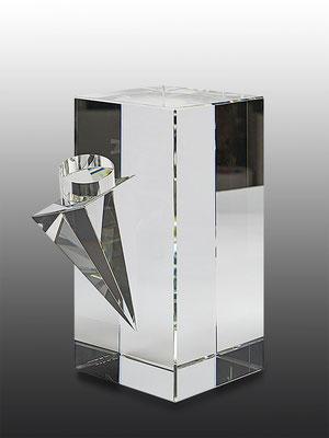 Ming Hou Chen, optical glass, 24x18x12 cm