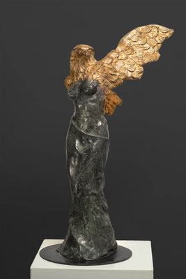 Godfried Dols, bronze, Metamorphose, edition: 4, Italian bronze and gold leaf.