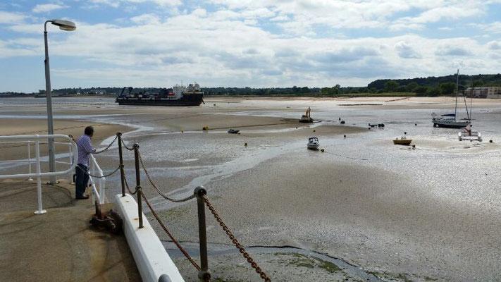Auch größere Boote können trockenfallen!