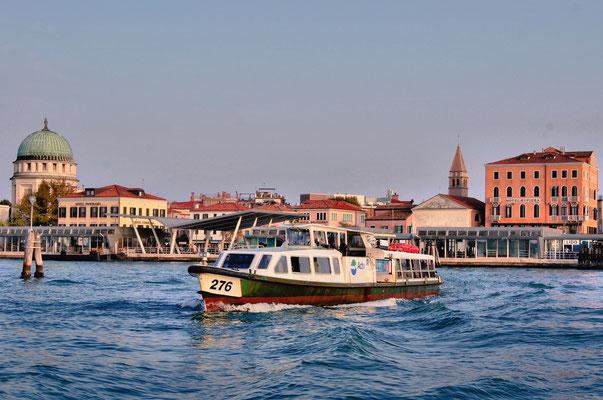 Die Venezianische Lagune auf der Überfahrt nach Burano