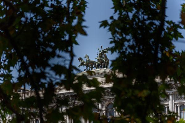Rom, Quadriga auf dem Justizpalast, Quadriga della Giustizia
