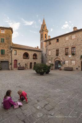 Piazza Castelli, Castelnuovo Berandenga, San Gusmé, Toskana