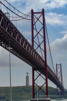 Ponte 25 deAbril von Lissabon nach Almada, Setubal