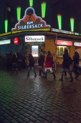 "St. Pauli bei Nacht - Kultkneipe ""Silbersack"""