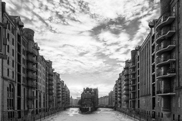 In der Speicherstadt Hamburg s/w