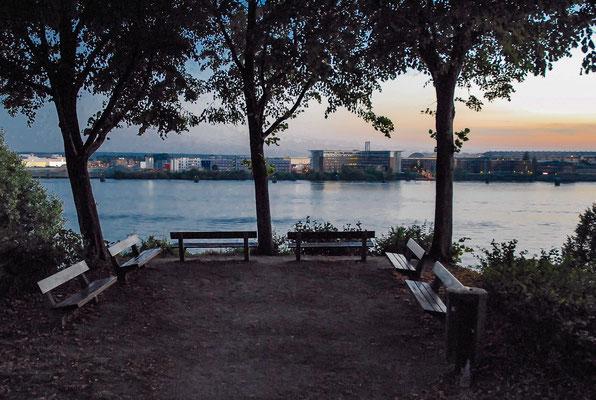 Vom Hirschpark in Nienstedten auf die Elbe