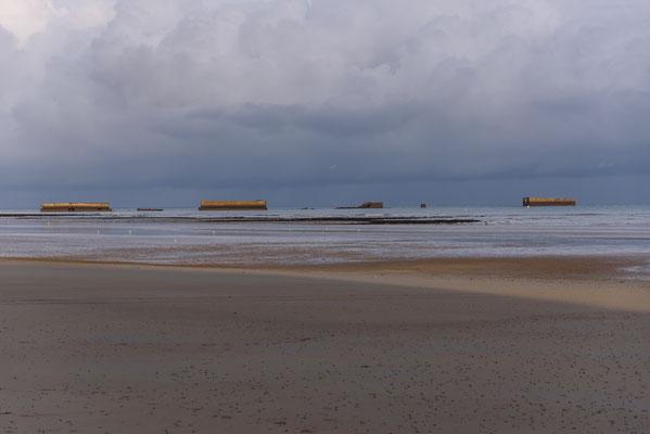 "Arromanches-les-Bains, Frankreich, Gold Beach, Landungsstrand,Mulberry harbour ""B"", Normandie,"